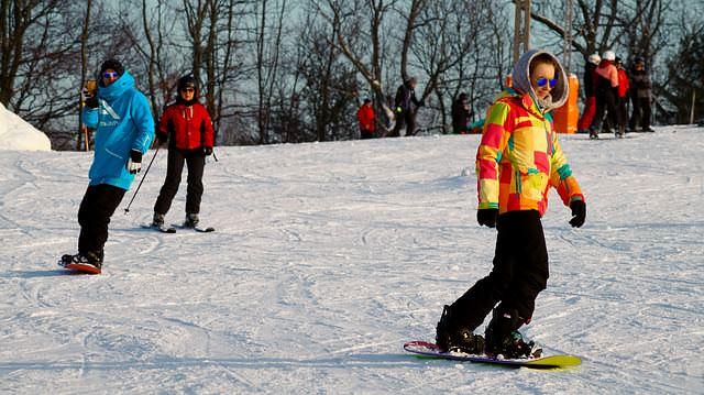 Gemusterter Softshell Stoffe machen sich prima für den nächsten Skiurlaub!