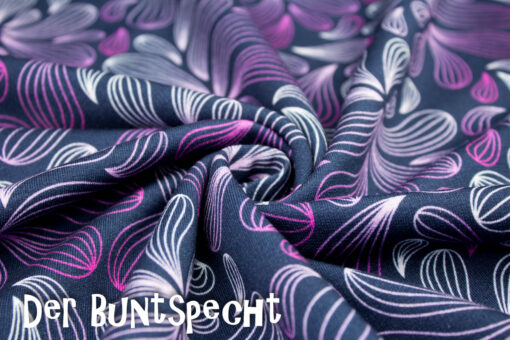 Sweatshirtstoff Winter Blossom byLycklig Desgin Blütenpracht lila