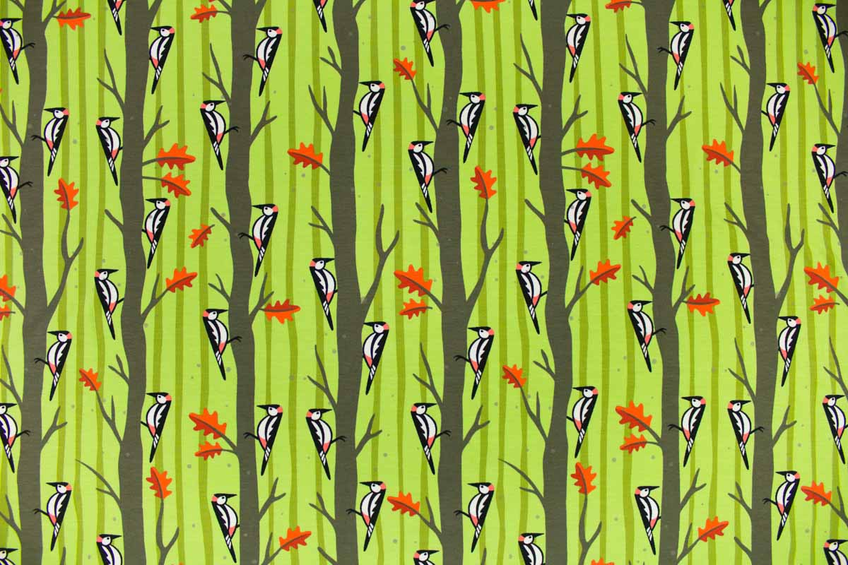Grüner Stoff mit Waldmotiv